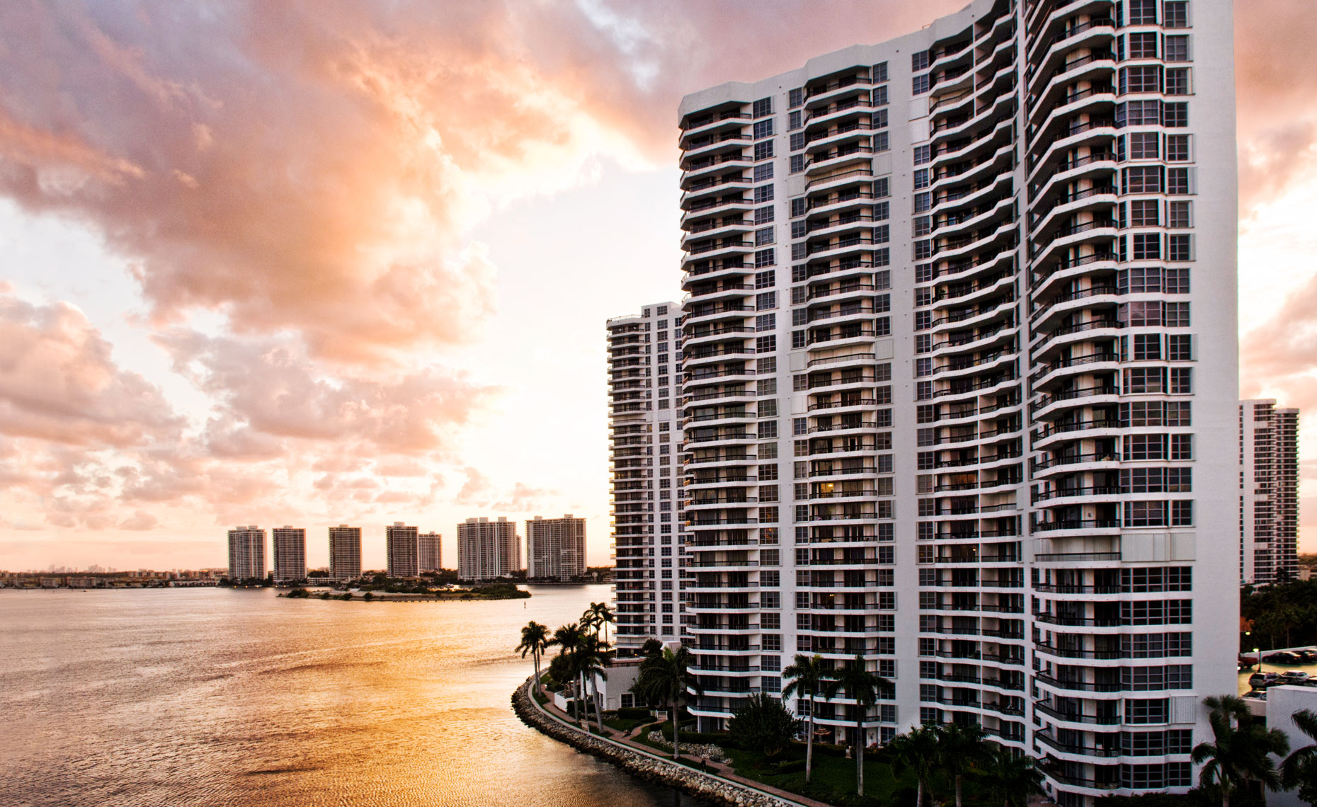 Scott Redinger-Libolt / redphoto, architectural photographers in Miami, Florida